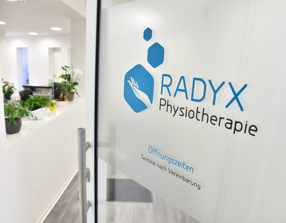 Eingangsbereich der Radyx Physiotherapie Praxis in Leonberg.